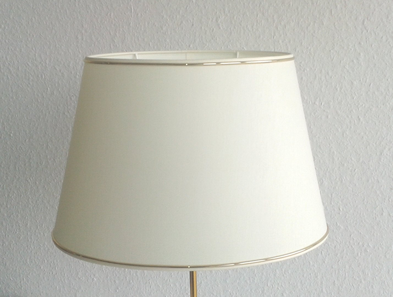 Lampenschirm oval 40 cm aus stoff mit zierband for Pendelleuchte oval stoff